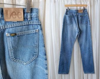 "28"" X 32"": Vintage 80's LEE Medium Wash High Waist Sexy Tapered Leg Woman's Retro Jeans"