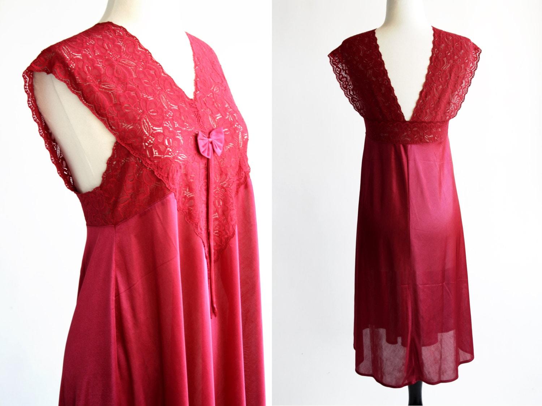 36e774398c54 Merlot Raspberry Color Poly 80 s Sleeping Gown Dressing