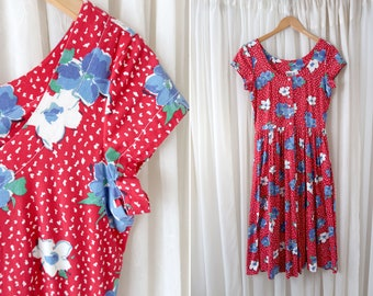 80's Bobbie Bee Red and White Flower Print Short Sleeve Retro Woman's Fit and Flare Day Dress