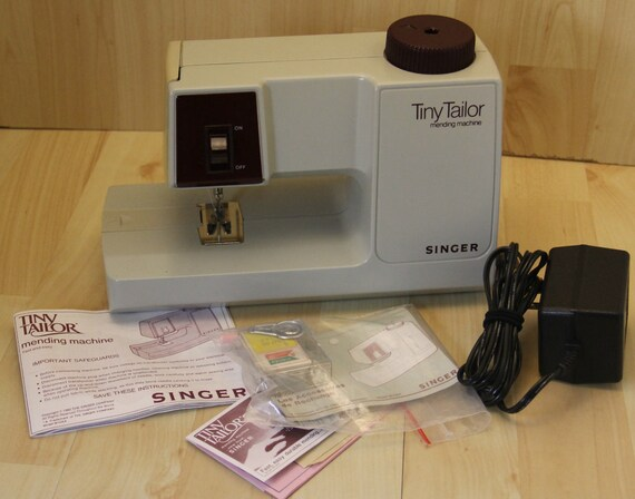 Super Clean Vintage M40A Singer Tiny Tailor Sewing Mending Etsy Adorable Tailor Sewing Machine