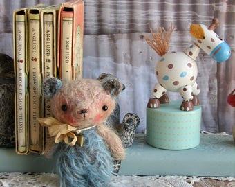 Declan jointed mohair mini bear by Woollybuttbears friend for BJD Doll Blythe Doll