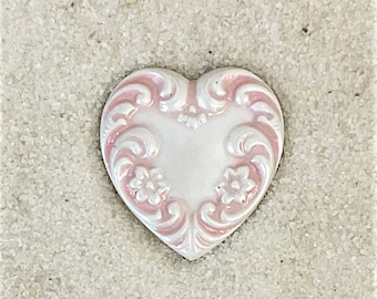 Metal Heart Button-Pearl white w/ Pink -BE 196