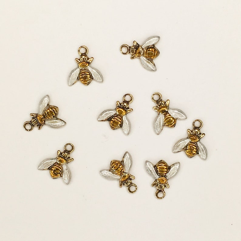 Crafters for Quilting Hand Painted 7 mm Item #1346 Needlecrafts Tiny Bee Charm Scrapbooks