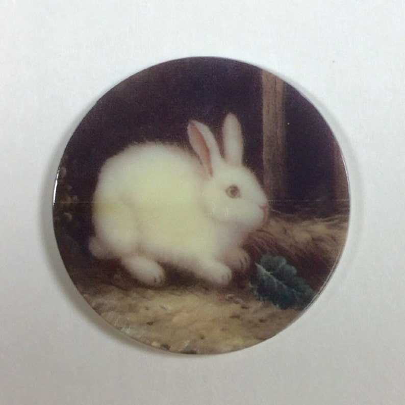 "Pretty White Bunny Rabbit on MOP Mother of Pearl Shank Button 1+3//8/"" Rabbit"