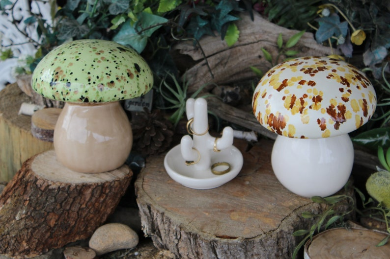 Genial Garden Ceramic MUSHROOM Statue Green Mint Fly Fairy Garden Toadstool  Crystal Glaze Poison Only If ..eaten. Pottery Ready To Ship