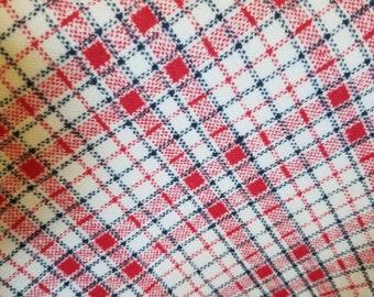 d839956fb0c 1970s Plaid Fabric 78