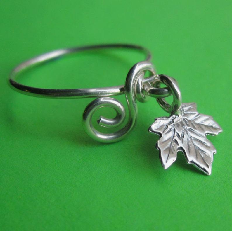 Sterling Silver Oak Leaf Dangle Charm Ring Dainty Wire Scroll image 0