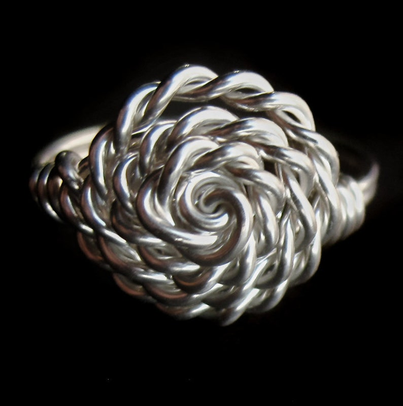 Sterling Silver Twisted Rope Rosette Ring Right Hand Basket image 0