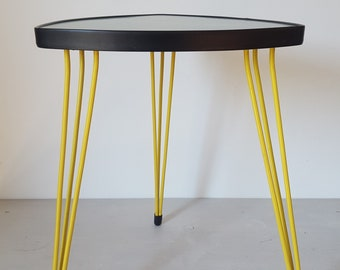 Fantastic 60s TRIPOD TABLE / Yellow Legs / Small Mid Century Coffee Table /  Triangle Three Leg Table / Vintage 50s Nierentisch Plant Stand