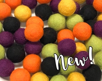 Collection - 60PC Piece TRICK-OR-TREAT Felt Balls