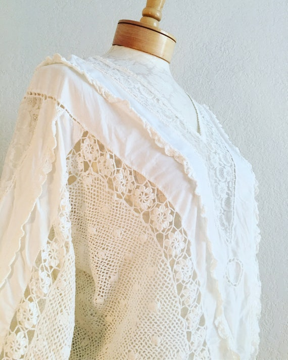 Vintage White 70s 80s Mixed Crocheted and Lace Boh