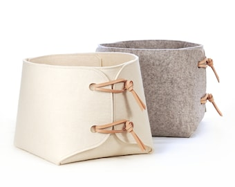 Large bin with leather details - storage basket with toggles - soft felt minimalist container