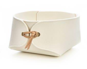 Storage basket in wool felt - bathroom organizer with leather details - nordic design - 26 cm / 10 inches