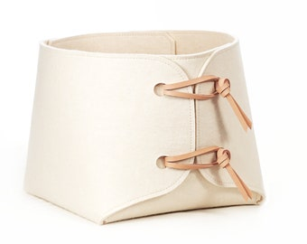 Pre-order Rustic Wool White – Large bin with leather details