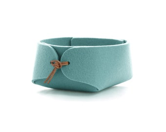 Jewelry organizer in wool felt, Duck egg blue felt basket with leather ties, Bedside tray