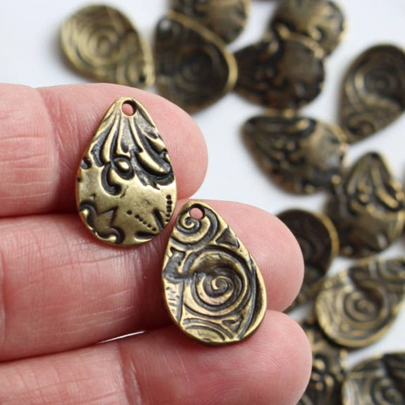  N27a-20 2-Sided OrganicAbstract Floral Bohemian Look 20pack TierraCast Lead Free Plated Pewter 20 Brass Large Flora Teardrop Charms