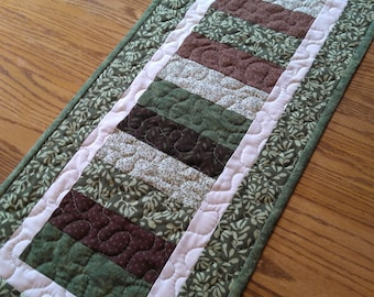 Patriotic Patch Quilted Star Cotton Country Cottage Farmhouse Table Runner