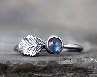Labradorite Leaf Ring - Nature Inspired - Blue Rose Cut Gemstone Rings - Labradorite Jewellery Made in Canada - Rustic Sterling Silver Ring
