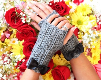 Heather Gray Fingerless Gloves with Bows
