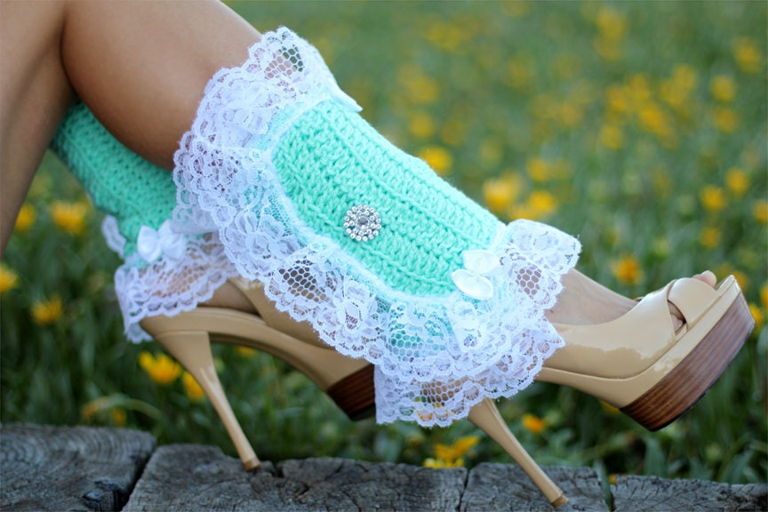Spats, Gaiters, Puttees – Vintage Shoes Covers Victorian Style Leg Warmers - Crochet  Lace Spats in Mint Kawaii Accessories Lots Of Colors $67.00 AT vintagedancer.com