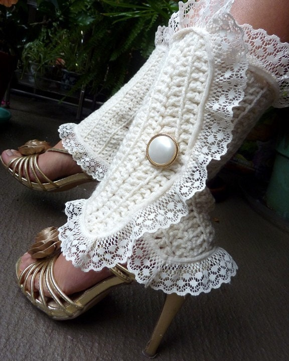 Spats, Gaiters, Puttees – Vintage Shoes Covers Victorian Style Leg Warmers - Crochet  Lace Spats in Soft White Steampunk Accessories Lots Of Colors $57.00 AT vintagedancer.com