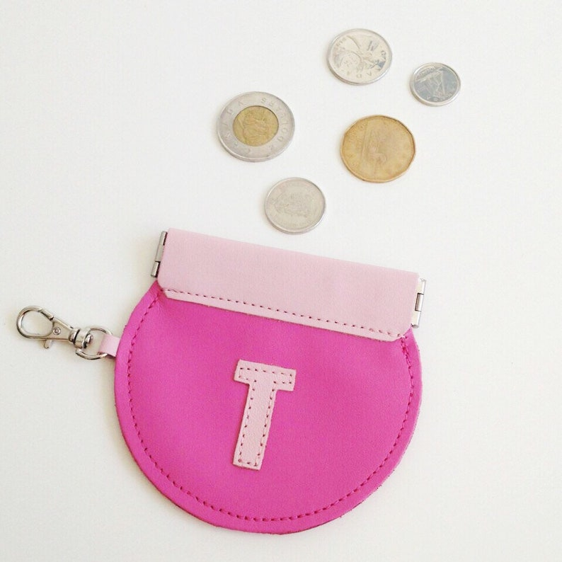 Round Initials Monogrammed Personalised Coin Purse Compact Custom Personalised Valentine/'s Gift Flex Frame Leather Pouch Squeeze
