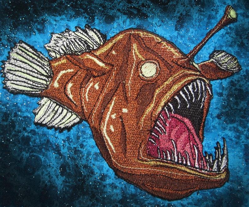 1cc4e49691b384 Glowing Deep Sea Angler Fish Anglerfish Black Sea Devi