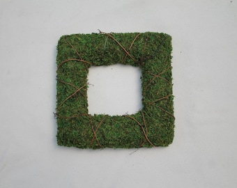 Moss and VIne Square Wreath 12 inch