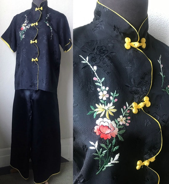 30's Japanese Hand Embroidered Asian 2 pc. Lounge