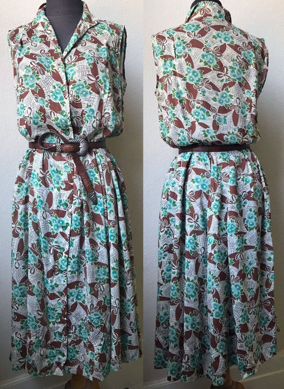 Early 40's Great Bow Print  Rockabilly Rayon Sleev