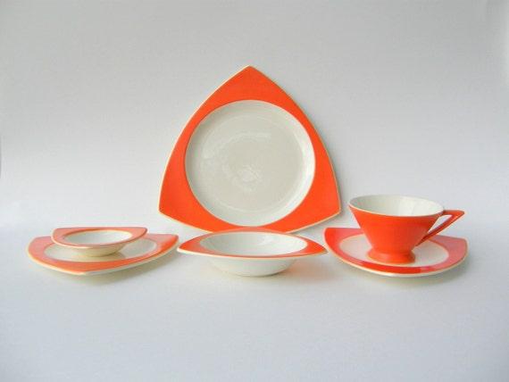 & Create Your Own Custom Salem Tricorne / Streamline Dinnerware