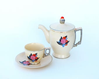 Leigh Potters Leigh Ware 'Arosa' - Modernistic Art Deco Mini Coffee or Tea Pot, 6 Demitasse Cups & Saucers, by J Palin Thorley on Umbertone