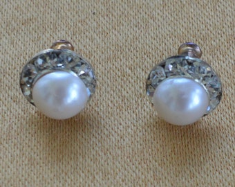 Pretty Vintage Delicate Faux Pearl, Rhinestone Pierced Earrings, Silver tone,Wedding, Small, 11mm (F2)