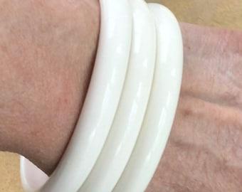 Vintage Bright White Honeycomb Plastic Bangle Bracelet