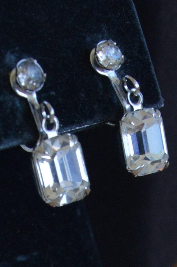 SALE 10/% OFF ~ Beautiful Vintage Silver-Tone Rhinestone Earrings ~ Screw Back Earrings ~ Free Shipping