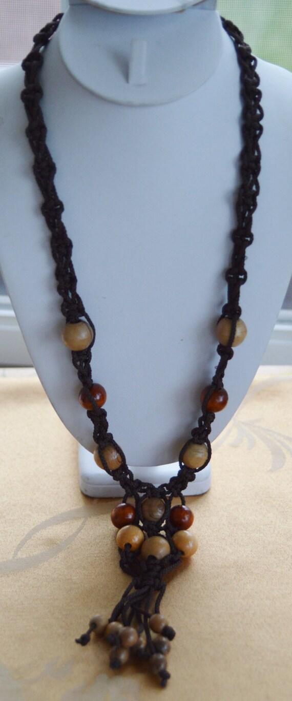 Pretty Vintage Wooden Bead Brown Macrame Tassel Necklace Tribal 26