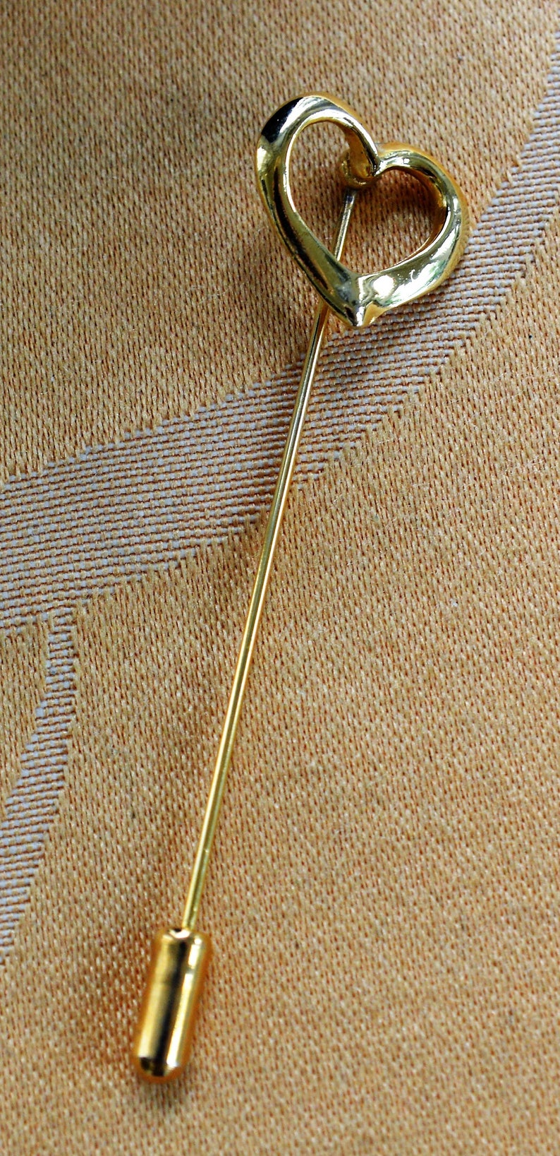 1980/'s H2 Open Heart Stick Pin Gold tone Vintage