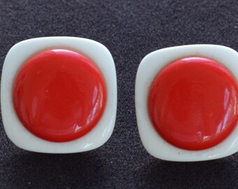 Red, White Plastic Button Pierced Earrings, Vintage (X7)