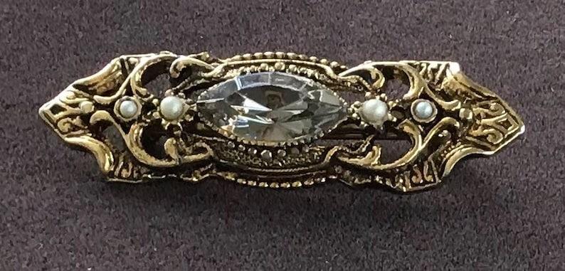 Z7 Gold tone Vintage Seed Pearl Bar Pin Gray Rhinestone