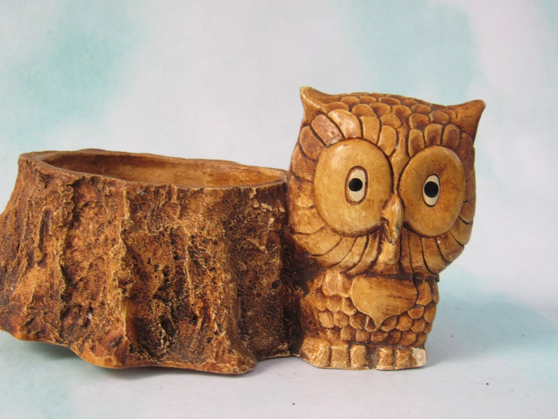 looks like wood but isn/'t Joyful Vintage Owl and Tree Stump Planter or holder or catch-all from 1981