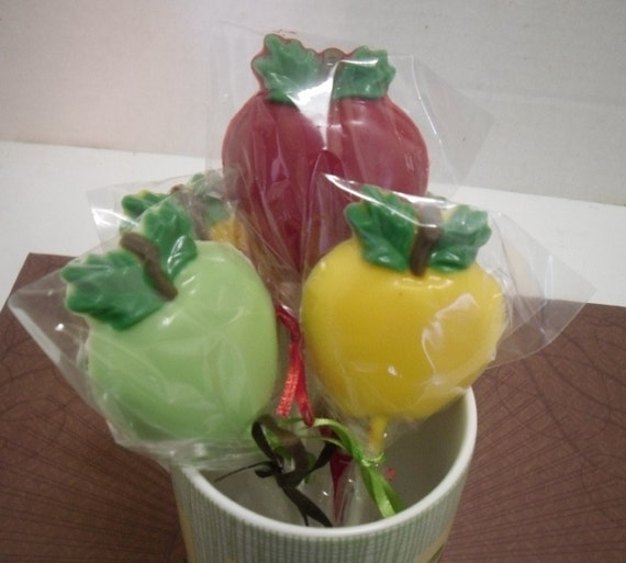 One dozen apple lollipops