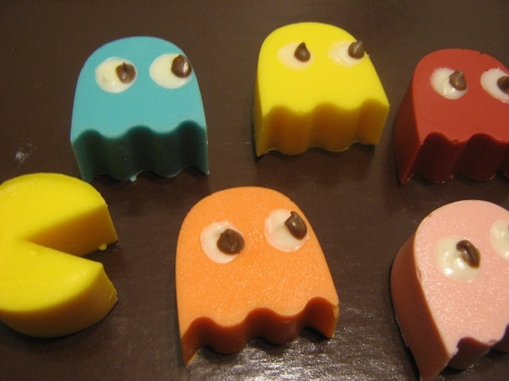 Pac-Man chocolate candies party favors 12 pieces (one dozen)