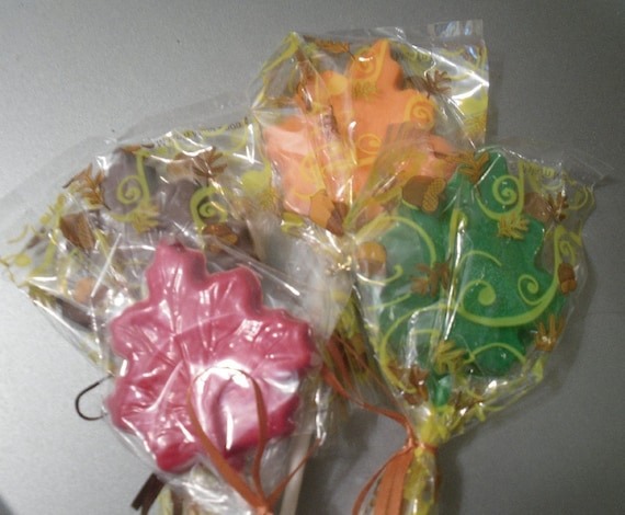 A dozen Leaf Lollipops