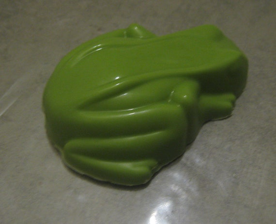One Dozen Hoppy to meet you realistic frog chocolate covered sandwich cookie oreo party favors