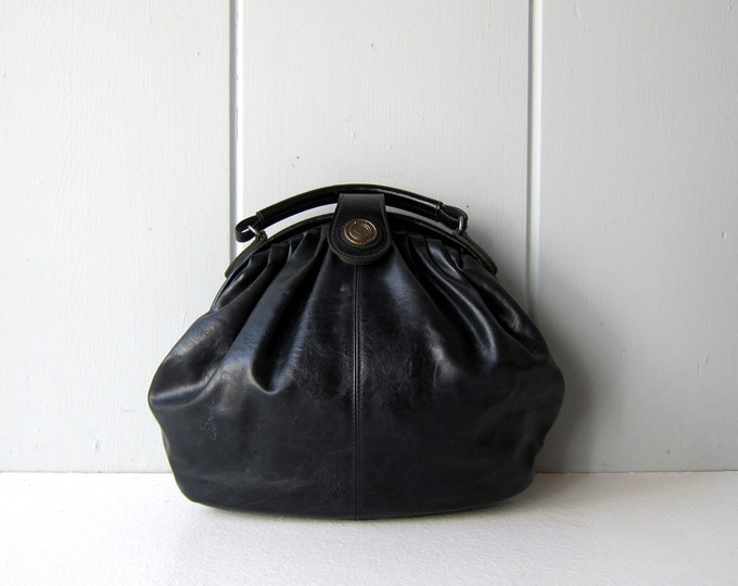 80s Black Clam Bag