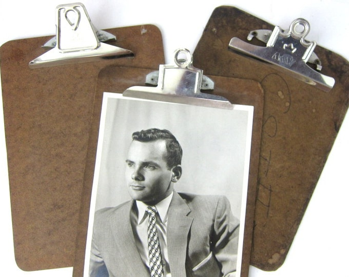 3 vintage clipboards picture clip board wall hangings Office Desk Display Decor Picture Frames Long Masonite Retro Industrial Look