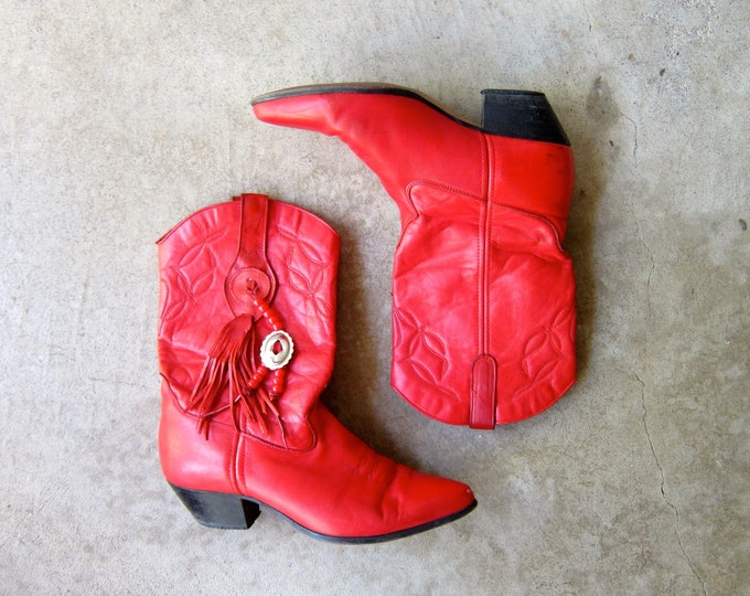 red leather cowgirl boots - 9