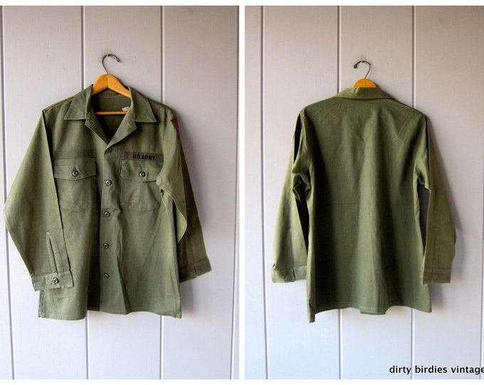 Vintage Army Shirt 70s Military Jacket Distressed Field Shirt Coat Pocket Jacket with Patches Mens Grunge Shirt Jacket Large