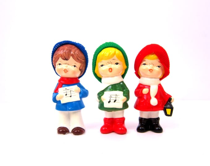 3 Vintage Winter Carolers Retro Ornaments Children Singing Small Figurine doll ornaments set Mid Holiday Home Decor