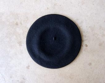 5488049a8eb 90s Liz Claiborne Black Wool Beret Modern Circle Wool Hat Artist Minimal Wool  Parisian Inspired Hat